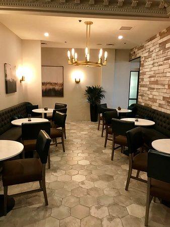 The Terrace Restaurant: lobby bar