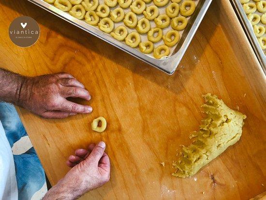 Viantica di Cibo e di Storie: Homemade taralli