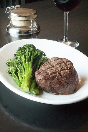 Johnny's Italian Steakhouse-Farmington Hills: getlstd_property_photo