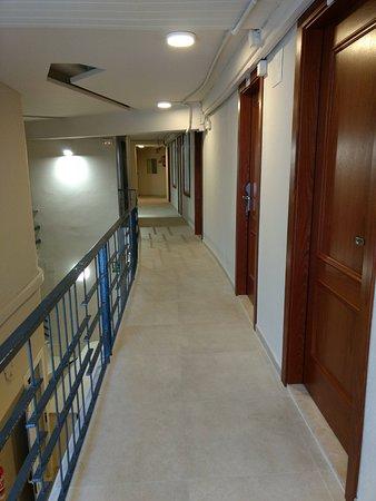 Hotel Rosamar Maxim: coursive d'accès aux chambres