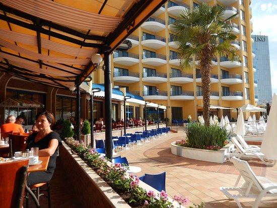 Grifid Club Hotel Arabella: Terrasse restaurant