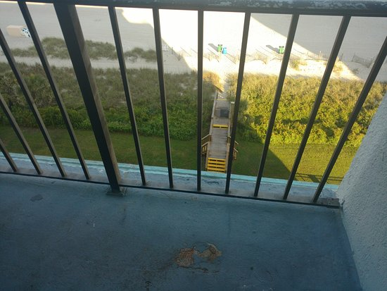 Tropical Seas Hotel : Balcony and railing in need of some help