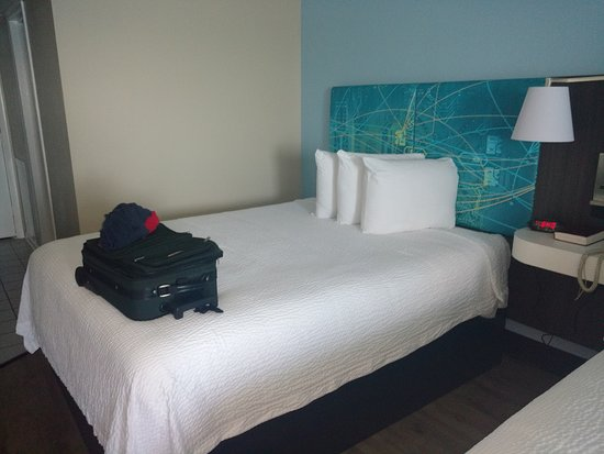 Tropical Seas Hotel : Updated bed area