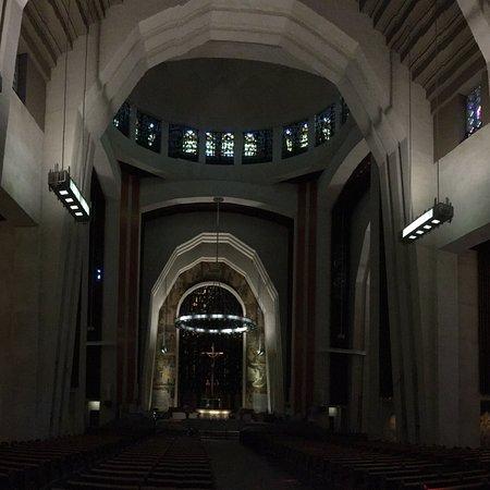 圣约瑟夫皇室山教堂照片