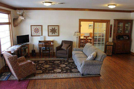 Lanesboro, MN: Our lobby is a welcoming space to gather.
