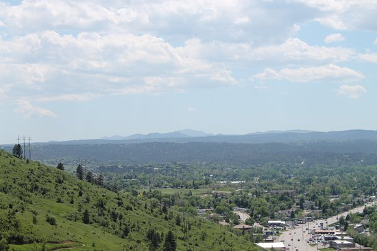 Dinosaur Park: View from the top towards Black Elk Peak