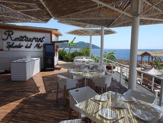 Splendor del Mar Beachbar & Restaurant: Restaurant by the se