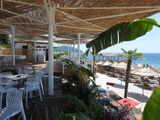 Splendor del Mar Beachbar & Restaurant: Bar at Splendor Del Mar