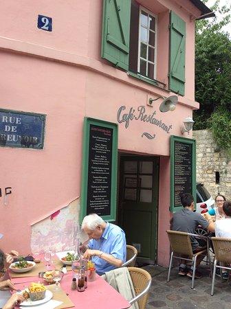 La Maison Rose: и все ж туристы...