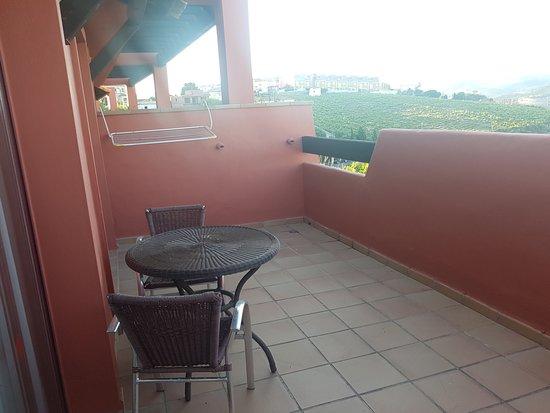 Apartamentos Manilva Green: Terraza para múltiples opciones.