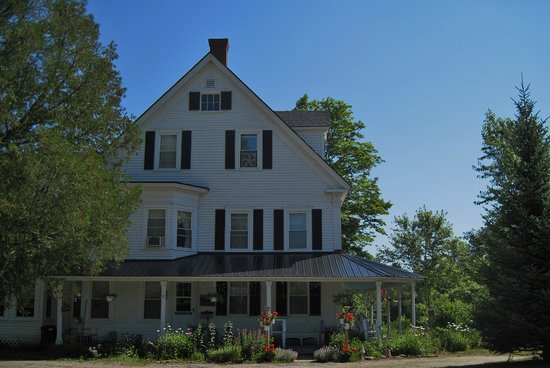 Mt. Washington Bed and Breakfast: Summer Time!