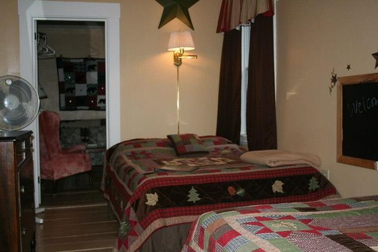 Shelburne, NH : Northern Mockingbird Suite - great for friends traveling together or families