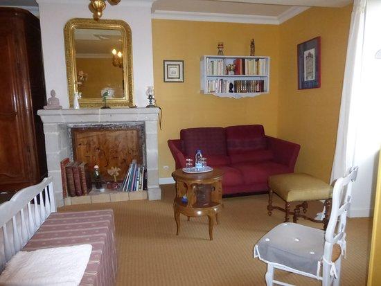 L'ANGEVINE: Guest house: coin cosy de la chambre Garance