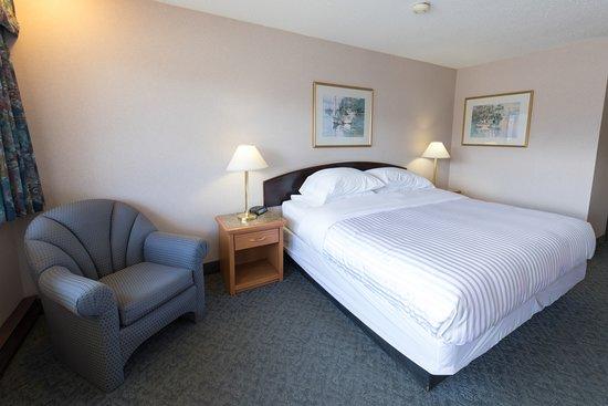 Fireside Inn & Conference Centre: Queen Standard