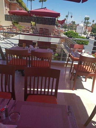 La table de la koutoubia: Une vue magnifique sur la Koutoubia