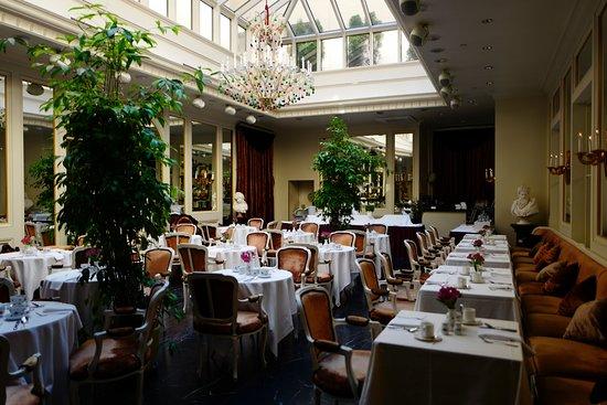 Grand Palace Hotel: salle du petit déjeuner