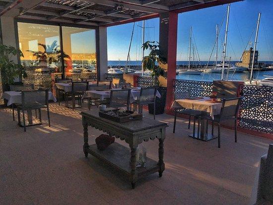 Club Maritimo de Sotogrande: Terraza del comedor