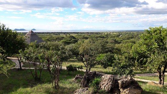 Africa Safari Experts Day Tours: Aussicht Sangaiwe Tented Lodge