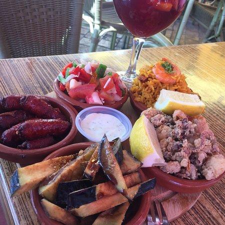 Restaurante bar picasso en m laga con cocina otras cocinas for Cocinas malaga precios