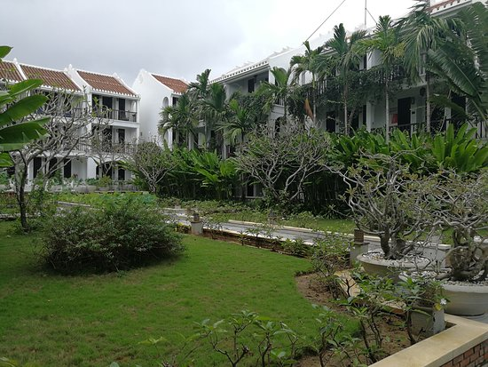 Hoi An Ancient House Village Resort and Spa : giardino