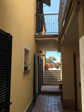 """Hotel Al Terra di Mare: Auf dem Weg zur """"Piazza"""""""