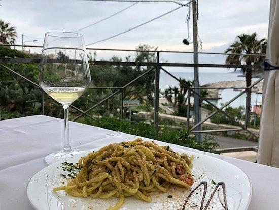 Porto Tricase, Włochy: la nostra terrazza con vista sullo splendido porto di tricase