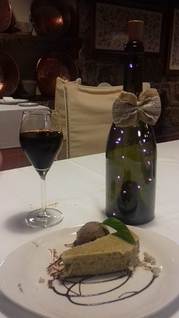 Mogarraz, Spain: Tarta de castañas casera, excelente.