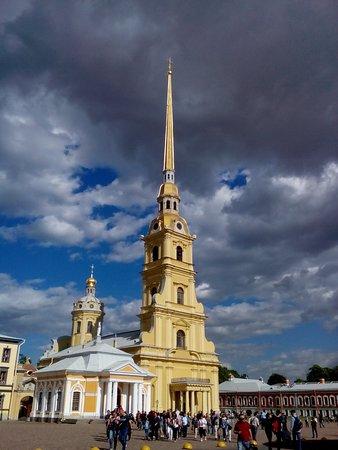 Hotel Democrat on Fontanka 104 : Исаакиевский собор