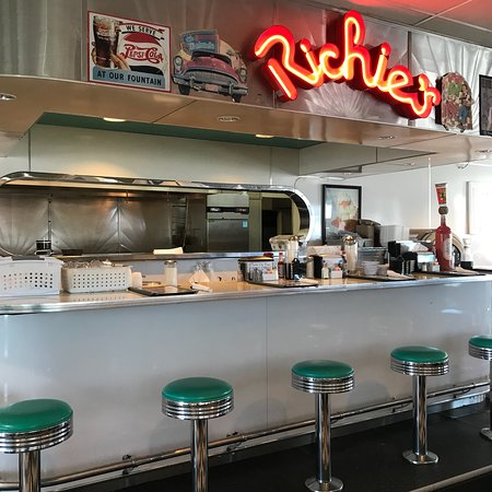 Richie's Real American Diner: Great choice, we are happy we stopped!