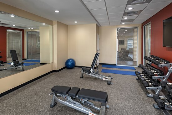 TownePlace Suites Baton Rouge Port Allen: Fitness Room