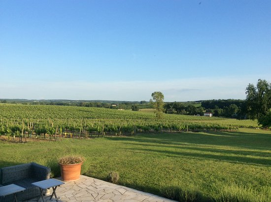 Villeneuve-de-Duras, Frankrike: A view from the dining table