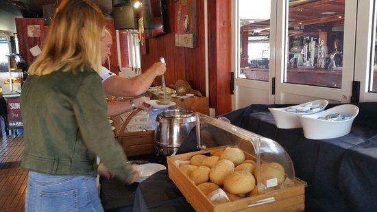 Barbacoa Restaurant & Showbar: Fresh Bread and Soup for starters on Sundays