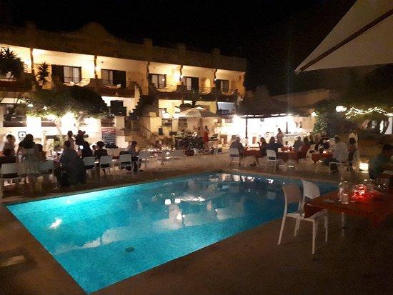 Cornucopia Hotel: 20180601_215425_large.jpg