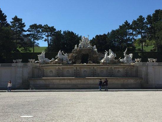 美泉宫花园照片