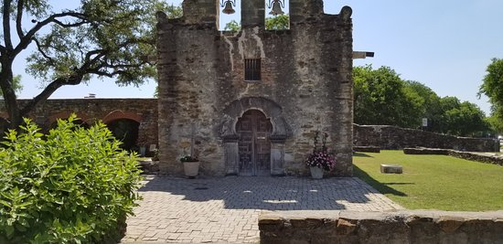 Mission Espada: front of the church