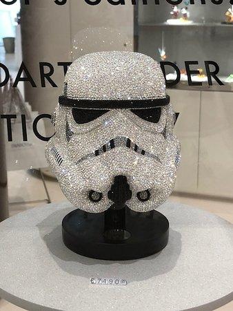 f4d393112 Crystal Storm Trooper Helmet - Foto de Swarovski Crystal Worlds ...