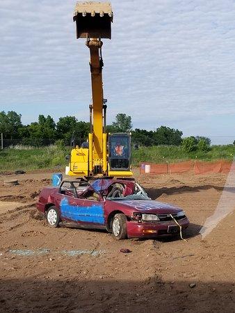 Extreme Sandbox: Crush that car!!