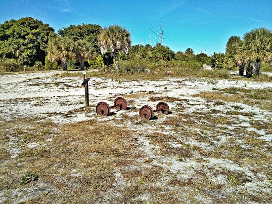 Egmont Key State Park: Military Ruins found on the Island
