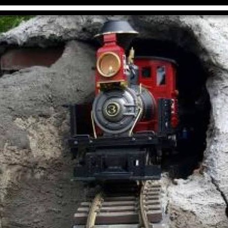 Mississippi Coast Model Railroad Museum: Train Coming Out Of the Mountain!
