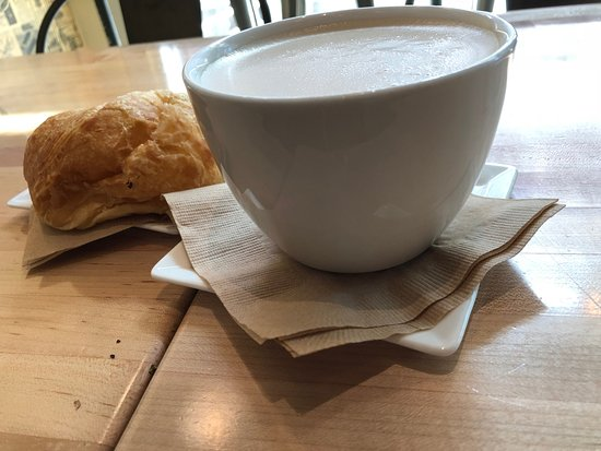 Cafe Press Chicago: Chai Tea Latte and Butter Croissant