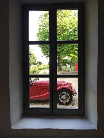 La Grande Maison: Morgan+4 vue par la fenêtre
