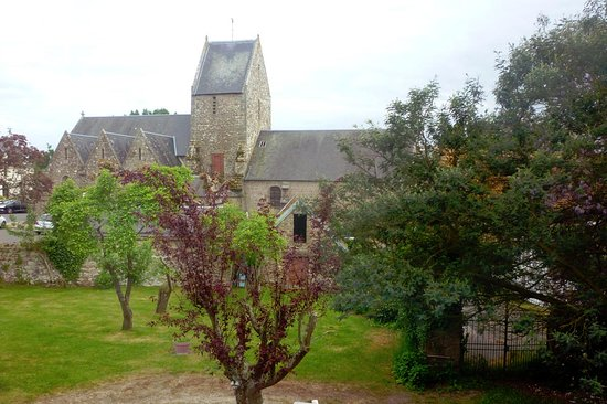 Carolles, Frankreich: View of the chuch from our room