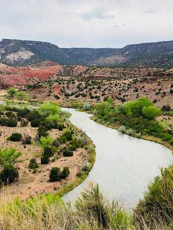 Ghost Ranch - O'Keeffe Landscape Tour: river off the highway where O'Keeffe received inspiration