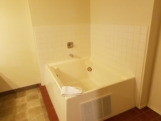 Enterprise, OR: The family suite is huge! Very comfortably sleeps 6