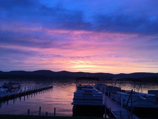 U Drive Rent - A - Boat: Breath taking sunset over Pontoosuc Lake