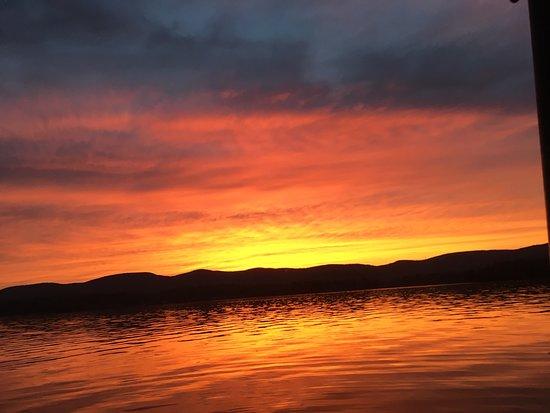 U Drive Rent - A - Boat: Gorgeous sunset