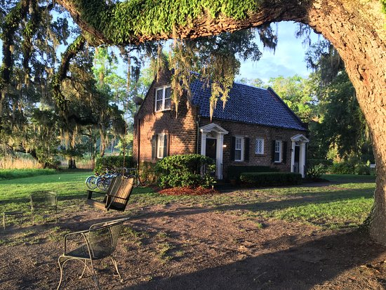 Mansfield Plantation: Kitchen House has 3 separate bedrooms