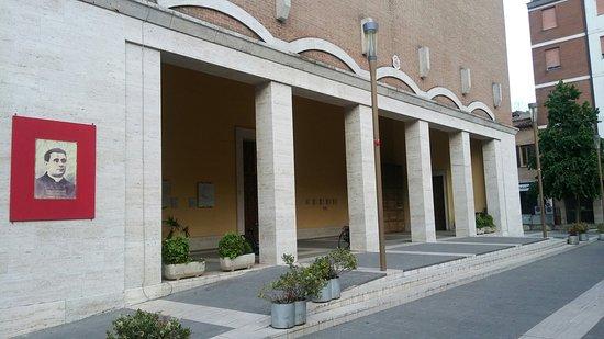 Duomo di San Nicolò : Portico