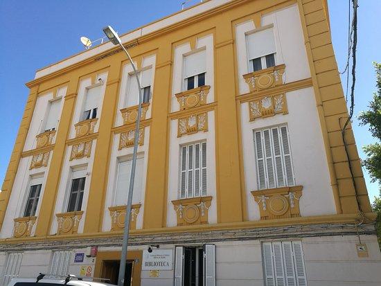Biblioteca Histórico Militar: Fachada