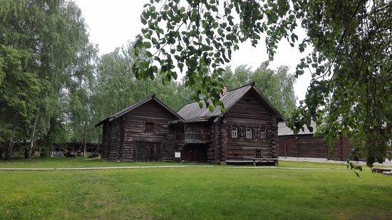 Museum of Wooden Architecture: Дома в музей были привезены из разных деревень страны.